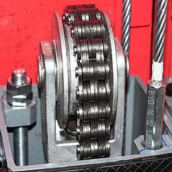 Увеличеный ролик гидравлического цилиндра подъёмника LAUNCH TLT240SB